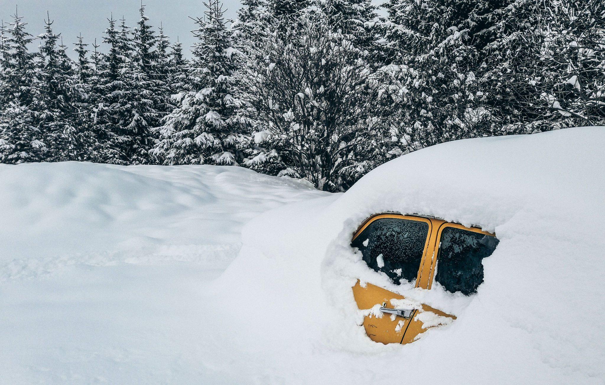 Snow and sleet driving Strathclyde Windscreen Repair